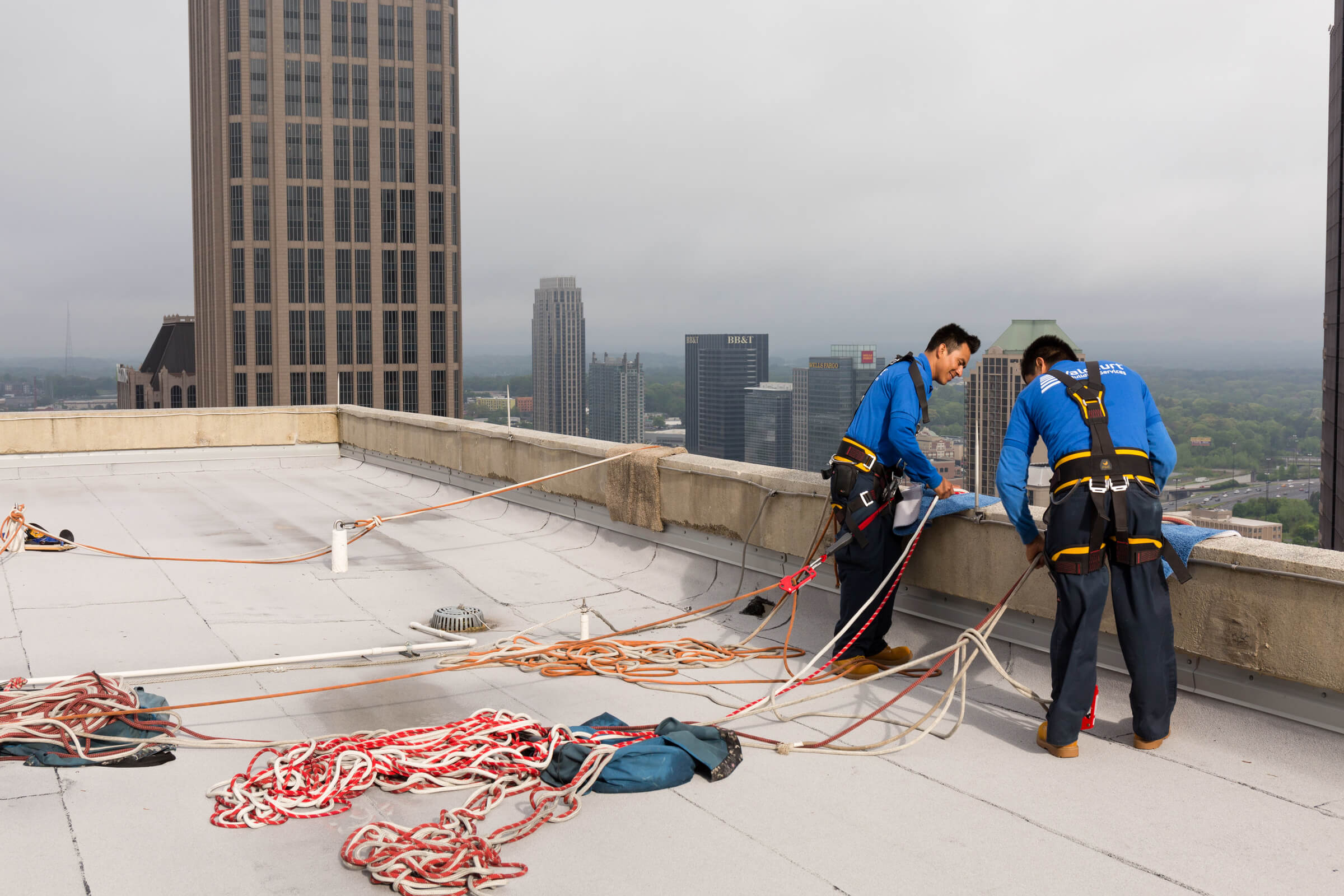 Valcourt rooftop anchors system implementation